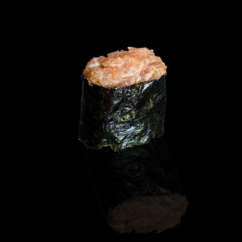 Спайс суши с лососем